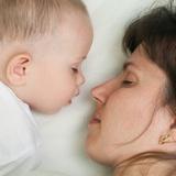 Нужно ли спать совместно с ребенком?