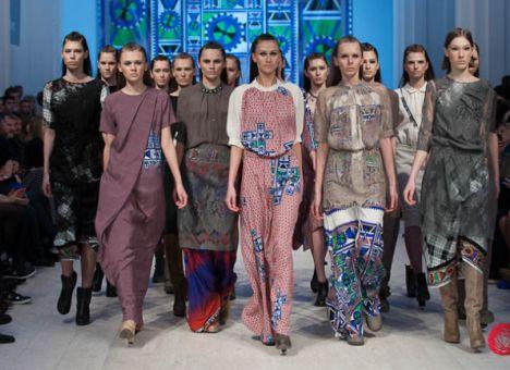 Мода на кружево, принт, элегантное макси осенью 2012