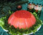 Салат с семгой и красной икрой