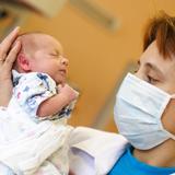 Женщины с больным сердцем чаще рожают девочек