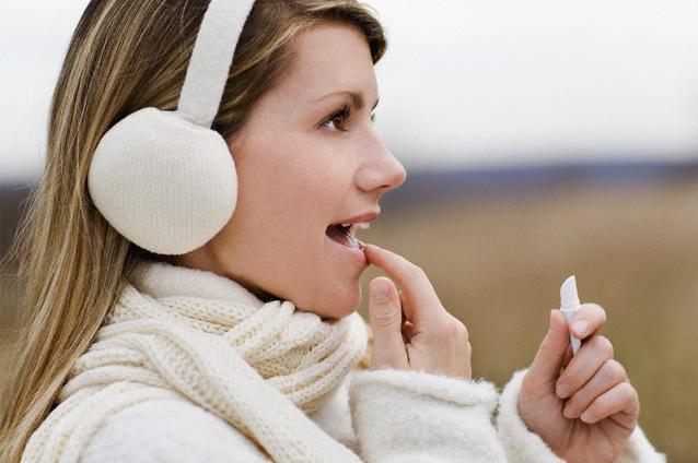 Причины шелушения губ