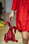 Яркие сумки - тренд весна 2013