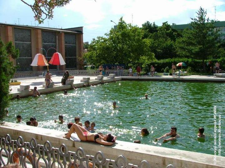 Лечебные воды Закарпатья: термальный бассейн в Берегово